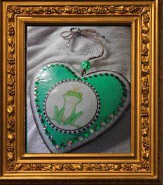 Ein weiteres UniSign Projekt, dieses Herz habe ich für eine gute Freundin von mir angefertigt, die eine leidenschaftliche Froschsammlerin ist.
