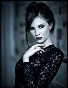 photo: Szymon Jobkiewicz model: Gabi stylist: Joanna Zielińska assist&camera: Palecwnosie Camera&works