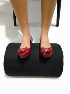 are you aching knees legs and ankles at your office desk a foot rest is the solution they are designed to support your legs from the feet up