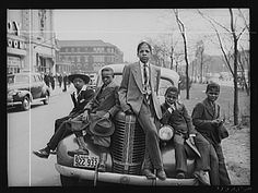 Russell Lee - Negro boys on Easter morning. Southside, Chicago, Illinois (1941)