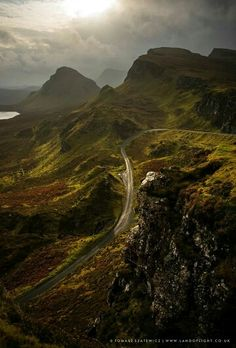 Quiraing Scottish People, Wanderland, Scotland Travel, Heaven On Earth, Highlands, Lakes, Adventure Time, Places To See, Ireland
