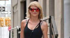 [E!News] Taylor Swift slammed for returning to streaming sites amid Katty Perry Album Release