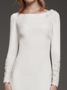 Vestido de novia de manga larga con espalda ilusión HUARTE | Pronovias