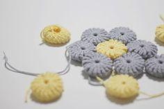 코바늘 냄비받침 만들기 (+도안) : 네이버 블로그 Chrochet, Knit Crochet, Doilies, Crochet Earrings, Knitting, Threading, Breien, Crochet, Crocheting