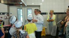 Startblok groep 7 bij het smaakcentrum in Linden. De schijf v vijf staat centraal bij het maken van de gezonde lunch