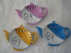repose sachet de the   Repose sachet de thé entièrement peint à la main . Prix : 5 euros ...