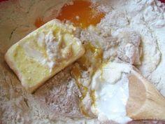 Saviecuta cu mac (baigli) sau cozonacei ca-n banat, Rețetă Petitchef Camembert Cheese, Deserts, Mac, Dairy, Romania, Food, Essen, Postres, Meals