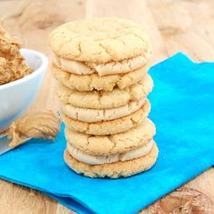 Soft and chewy peanut butter sandwich cookies filled with an addicting peanut butter filling. Not too big and not too small, just the perfect size for dipping in milk! These cookies only get better… Peanut Butter Sandwich Cookie Recipe, Peanut Butter Filling, Peanut Butter Recipes, Peanut Butter Cookies, Sandwhich Cookies, Cookie Sandwiches, Baking Recipes, Cookie Recipes, Dessert Recipes