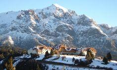 Bariloche (AR)Com um centro comercial fortíssimo e um dos destinos mais indicados para quem pretende esquiar na Argentina, a cidade de Bariloche fornece uma centena de atrativos aos visitantes. Com cerca de 130 mil habitantes, no inverno a forte presença de turistas faz esse número quase dobrar