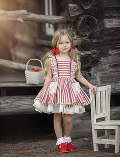 Best Indoor Garden Ideas for 2020 The number of internet users who are looking for… Frocks For Girls, Little Girl Dresses, Girls Dresses, Toddler Fashion, Kids Fashion, Little Girl Dress Patterns, Frock Patterns, Kids Frocks Design, Toddler Dress