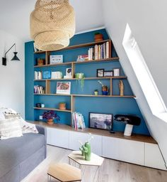 Studio : idées pour agrandir un petit espace Built In Furniture, Small Living Room Decor, Room, Interior, Dining Room Small, Home Furniture, Living Room Decor, Home Decor, Home Deco
