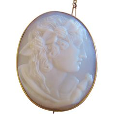 Vintage Victorian Shell High Relief Ceres Goddess of the Harvest Cameo Pin Brooch