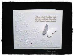 ..... heißt eines unserer wunderschönen neuen Stempelsets aus dem Mini Katalog 2011 :-) !!!! Na, und was paßt perfekt zum SetZuversicht ???? Natürlich ..... die Embosslits Form Schmetterlingsga...