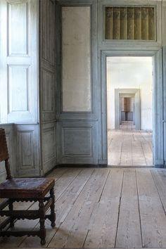 Danish Interior, Danish Style, Slot, Oversized Mirror, Furniture, Home Decor, Decoration Home, Room Decor, Home Furnishings