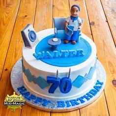 Man on a Sofa Cake 3d Figures, Happy Birthday, Birthday Cake, Cakes For Men, Round Cakes, Sofa, Sweet, Desserts, Happy Brithday