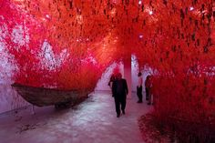 Mike Philbin's free planet blog: Chiharu Shiota - Venice Biennale Arte 56 - The Key...