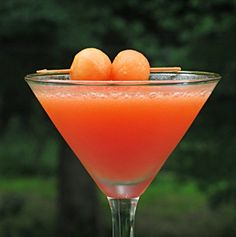 Cantaloupe Martini | Hampton Roads Happy Hour - g.5.5 Fun Cocktails, Summer Drinks, Cocktail Drinks, Fun Drinks, Alcoholic Drinks, Beverages, Hey Bartender, Margaritas, Cocktails