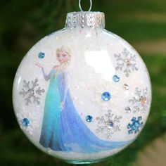Surprise your little Elsa fan this holiday season with this easy DIY Princess Elsa Ornament made using stickers and a tattoo. It couldn't be easier!