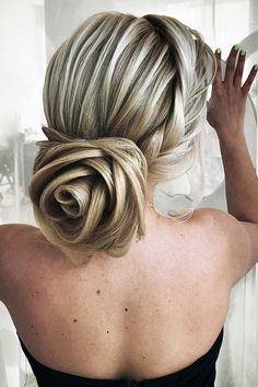 Chic Chignon hairstyle is perfect for you, if you want to special hairdo for a party or occasion. Chignon hairstyle gives a unique look to your hair. Up Hairstyles, Braided Hairstyles, Wedding Hairstyles, Chignon Hairstyle, Braided Updo, Amazing Hairstyles, Halloween Hairstyles, Pretty Hairstyles, Easy Updo