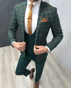 Collection: Spring – Summer 19 Product: Slim-Fit Plaid Suit Color Code: Green Size: Suit Material: viscose, poly, lycra Machine Washable: No Fitting: Slim-fit Green Suit Men, Green Suit Jacket, Green Wedding Suit, Wedding Suits, Mens Fashion Suits, Mens Suits, Mens Plaid Suit, Costume Vert, Moda Masculina