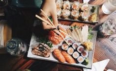 The Do's and Don't's of properly eating sushi! After working at a sushi bar this is supremely overlooked. I Love Food, Good Food, Yummy Food, Sushi Love, Food Porn, Food Inspiration, Cravings, Delish, Food Photography