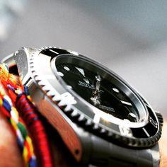 """Wristshot of my """"new"""" Rolex Submariner 14060M on a sunny day ;) #rolex #rolexwatches #rolexaholics #rolexsubmariner #submariner #rolexpassion #haagenbracelets #watchbandit #monochromewatches #watch #watches #watchesofinstagram #watchoftheday #watchaddict #watchnerd #watchgeek #watchporn #wristporn #wristgame #instawatch #wristshot #wristshotoftheday #8past10 #timegeeks #dailywatch #watcheskeepstime #dagenswristshots #DailyWristShot #mondani #byknud @rolex @watchbandits by byknud #rolex…"""