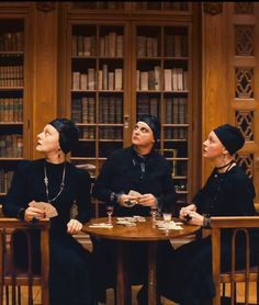'The Grand Budapest Hotel' Wes Anderson Wes Anderson Style, Wes Anderson Movies, Movie Costumes, Cool Costumes, Time Based Art, Best Costume Design, The Royal Tenenbaums, Bionic Woman, Grand Budapest Hotel