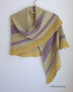 Hand Knitting, Knitting Ideas, Bohemian Chic Fashion, Wedding Shawl, Oriental Fashion, Knitted Shawls, Winter Accessories, Etsy Handmade, Womens Scarves