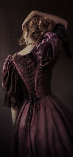 """back-laced costume (from """"Outlander""""? ), 18th Century fashion"""