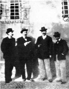 H. G. Wells  Escritor, novelista e historiador británico.Masón grado 33.  En la foto aparece Gissing, E. W. Hornung, Arthur Conan Doyle,  y H. G. Wells en Roma, en 1898