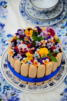Torty z kwiatami Edible flowers cakes