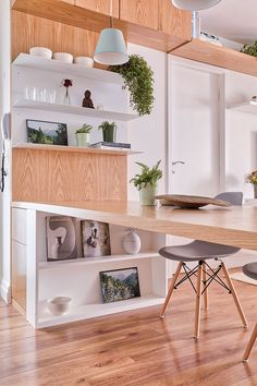 Inspirado nos Apartamentos Escandinavos | Casa de Valentina Small Apartment Interior, Studio Apartment Decorating, Simple Kitchen Design, New Home Designs, Small Apartments, Home Living Room, Home Furniture, Sweet Home, House Design