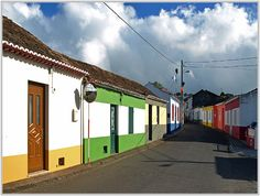 The colours of the Acores - Sao Miguel, Acores the little houses,some are now lost between mansions from mostly immigrants to built for their summer and retirement homes.Not me.hehehe