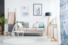 Ideias criativas e fáceis para a decoração da casa nova Modern Room Decor, Living Room Decor, Home Decor, King Frame, Table Design, Minimalist Art, Framed Wall Art, Framed Canvas, Canvas Art