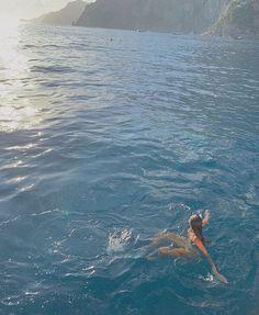 - k a t e m o n t e i t h -: Photo Summer Vibe, Summer Dream, Summer Feeling, Summer Girls, Beach Aesthetic, Summer Aesthetic, Travel Aesthetic, Water Aesthetic, Blue Aesthetic