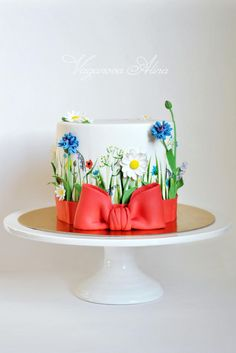 Always wanted to make a wildflower cake! Gorgeous Cakes, Pretty Cakes, Cute Cakes, Amazing Cakes, Bolo Floral, Floral Cake, Fancy Cakes, Mini Cakes, Fondant Cakes