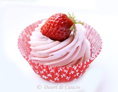 Desert de Casa va prezinta o varietate de retete culinare pentru deserturi si dulciuri de casa pe care le puteti gati usor si rapid. Raspberry, Strawberry, Lemon Curd, Fruit, Sweet, Desserts, Food, Cream, Candy