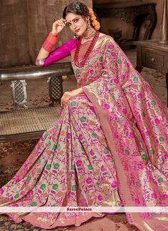 Shop online with latest saree. Shop this banarasi silk hot pink designer traditional saree for bridal and wedding. Indian Silk Sarees, Indian Beauty Saree, Silk Saree Banarasi, Silk Saree Blouse Designs, Saree Blouse Patterns, Indian Gowns Dresses, Indian Fashion Dresses, Stylish Sarees, Stylish Dresses