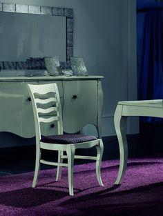 Luxusní masivní židle - polstrovaná Jedná se o italský stylový nábytek z masivu. Tato luxusní masivní židle je vhodná do stylové jídelny, pracovny i Leather Sofa, Sofa Set, Chair, Furniture, Home Decor, Decoration Home, Room Decor, Leather Sofas, Home Furnishings