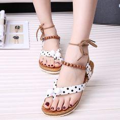 new product 5d54a 8d866 8.57  2015 nouvelles femmes mode mignon sandales été sangle transversale  plat Polka Dot perles Casual Femme chaussures dans Femmes de Sandales de  Chaussures ...