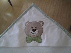 Deia Patchwork: Aplique do avental toalha-fralda http://www.facebook.com/DeiaPatchwork http://deiapatchwork.blogspot.com