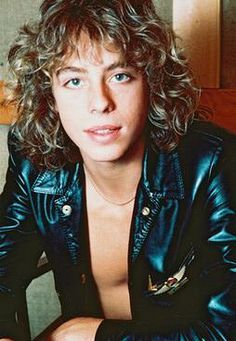 Leif Garrett wow i wondered what happened to him so i googled him wish I hadn't some memories are best left in the past after all!!