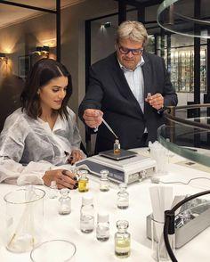 Tarde em Grasse na França com minha  @camilacoelho a convite da @louisvuitton experimentando essências ao lado do super perfumista Jacques Cavallier nome por trás de icônicos perfumes internacionais. A escolha: essência floral com notas orientais  Desejo imediato!  #FhitsParis #FhitsTeam #FhitsWish