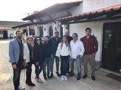 En Portugal, con el equipo de Sevilla. Jeunesse nos está apasionando!!! #nuncaestarde