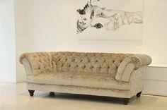 Chesterfield Sofa in Zebra-Samt.  www.kippax-sofas.de