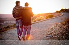 casual photos - very cute couple in the sunset (gay wedding ideas)