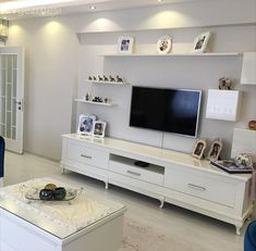 Halı, Orta sehpa, Salon, Tv ünitesi We think that tattooing can be quite a method that has been used since … Tv Wanddekor, Apartment Decoration, Cama Box, Tv Wall Decor, Tapis Design, Vintage Room, Vintage Stil, Ikea Furniture, Decoration Table