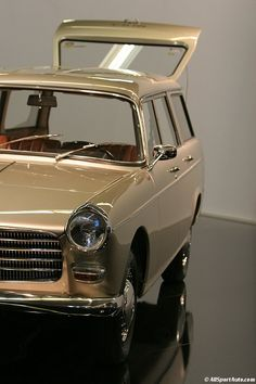 1967 / Peugeot 404 break Super-Luxe