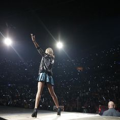 Taylor performing Welcome to New York during the 1989 World Tour in Nashville night one! 9.25.15