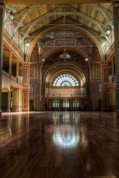 Top places to see in Melbourne by a local photographer Top Place, The Good Place, Carlton Melbourne, Exhibition Building, Local Photographers, Interesting Buildings, Victoria Australia, Travel And Leisure, Historic Homes
